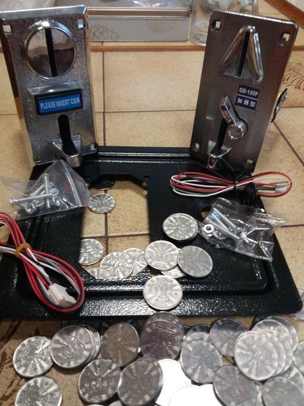 Монетници и жетони