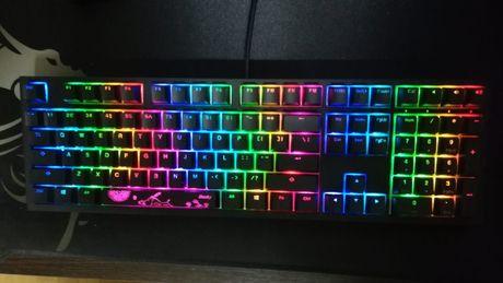 Tastatura Ducky cu Cherry Mx Red