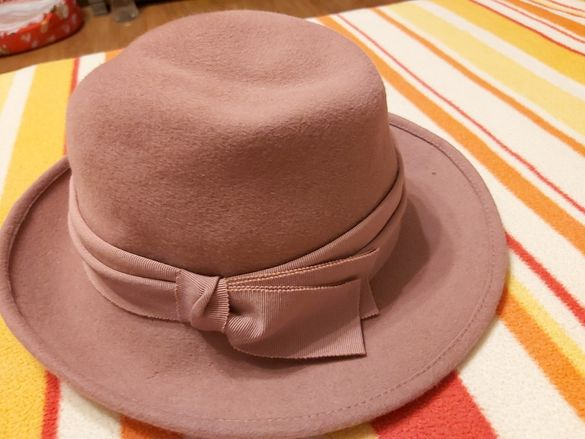Елегантни шапки бомбе