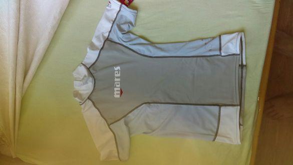 Дамска спортна тениска за водни спортове.