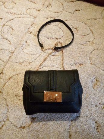 Уникална малка черна чантичка