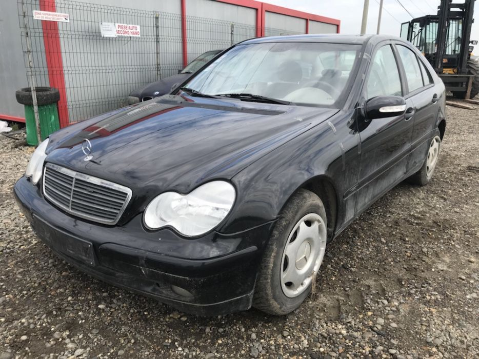 Mercedes C220 2.7cdi 160cp Euro3 2003 dezmembrat Ungheni - imagine 1