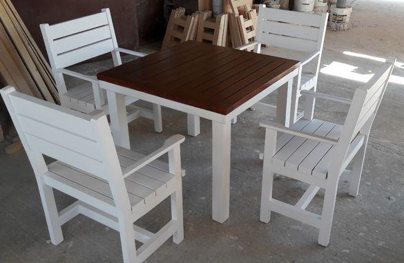 Маси, пейки и столове по поръчка