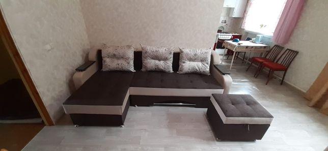 Угловой диван +кресло+пуфик