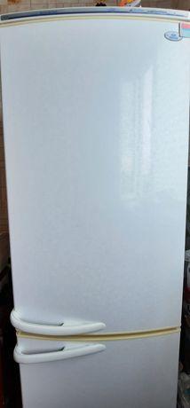 Продаётся  холодильник Атлнант