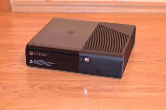 Consola Microsoft Xbox 360 E 250GB