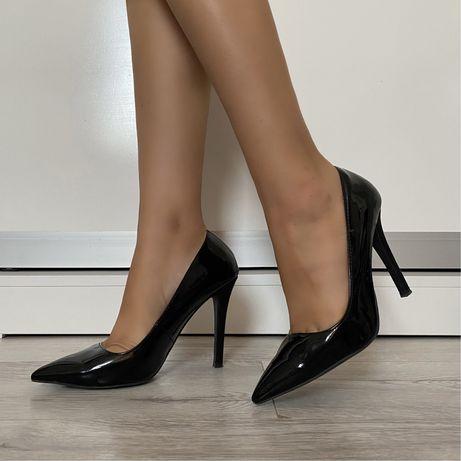 Туфли и каблуки лодочки Zara кожа