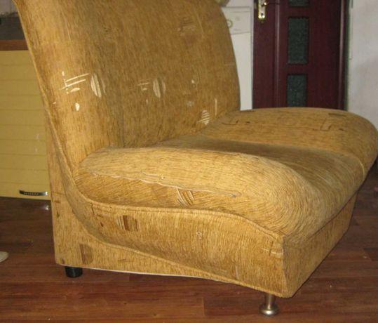Одно кресло на ножка, состояние хорошее, 105х95х80 см – 15,000 тенге