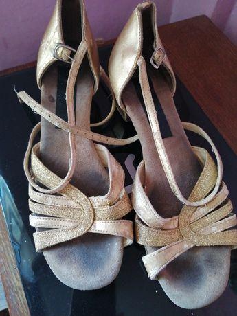 Туфли для бальных танцев золотистого цвета