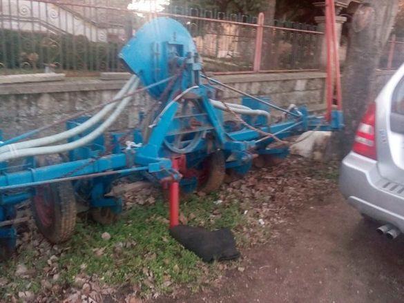 Сеялка Румънка трактор