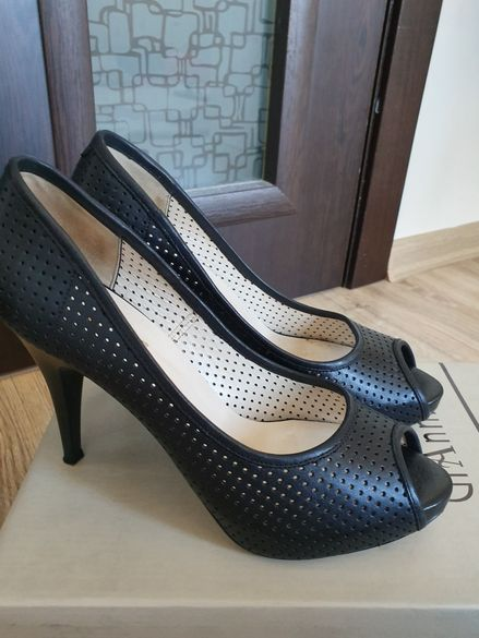 Елегантни обувки от естествена кожа GiAnni