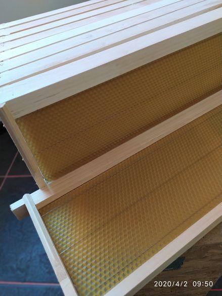 Пчелни рамки- сковани,обтелени и със залепени Восъчни основ