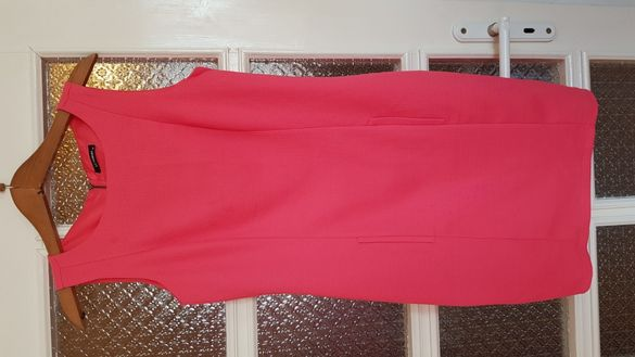 Розова рокля без ръкави