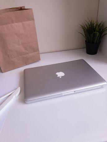 MacBook Pro 13' Apple