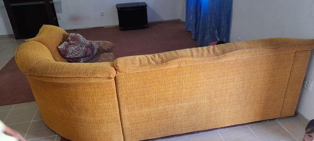 Отдам диван бесплатно. Без клопов