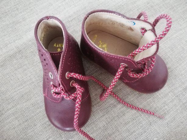 Детские ботиночки весении