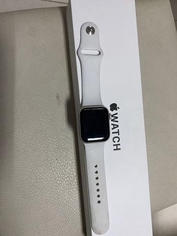 Продам Apple Watch SE 40mm