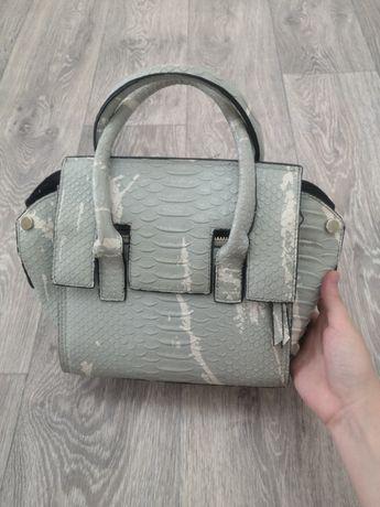 Продам сумку, очень красивый