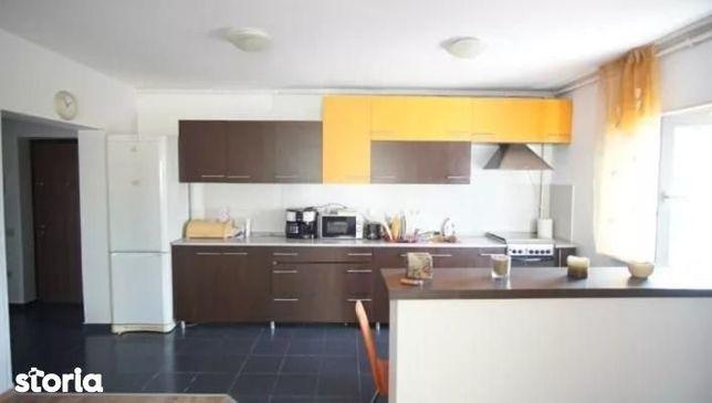 Apartament cu 2 camere de vânzare, Floresti, central.