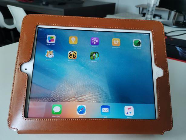 Ipad 2, iOS 9.3.5, diagonala 10 inch