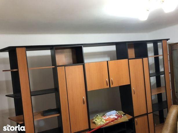 Apartament 2 camere cf 1 semidecomandat zona Brosteni