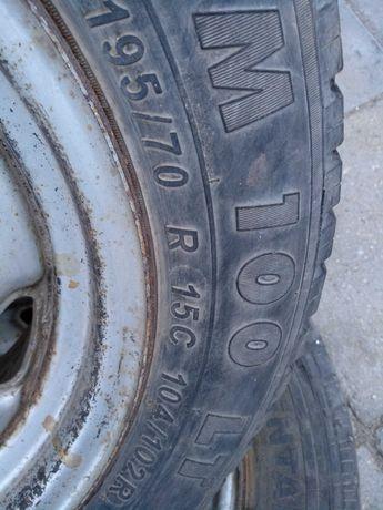 Джанти с гуми за Мицубиши L 300