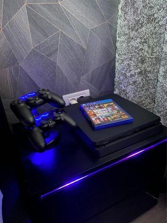 Vand playstation 4 slim