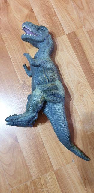 Dinozaur Giganotosaurus