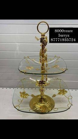 Двухъярусная ваза и тарелка