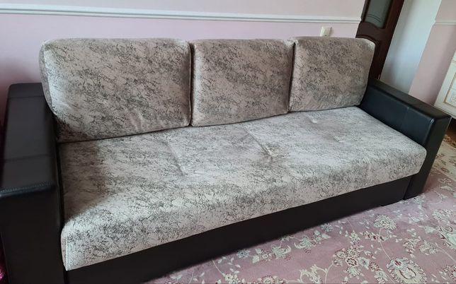 Продается диван почти новый
