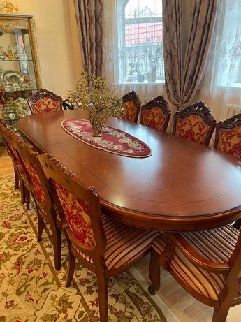 Продам стол для гостиной