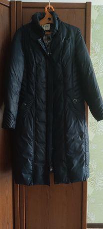 Продам женский зимний пуховик с капюшоном, б/у  52 раз, в хорошем сост