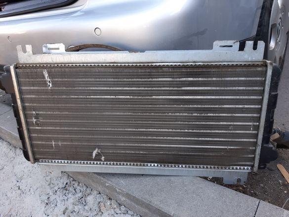 Форд Фиеста 1.1 1988 - Радиатор
