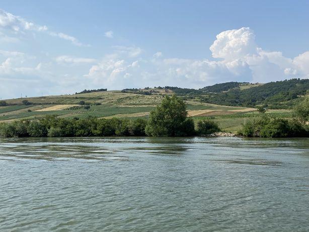 Vand teren cu iesire la Dunare