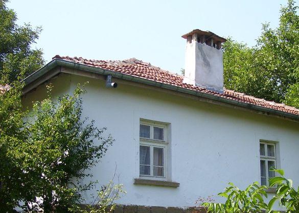 Продавам Къща в село Караш