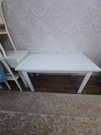 Продам кухонный стол с 6 шт стульями.15000