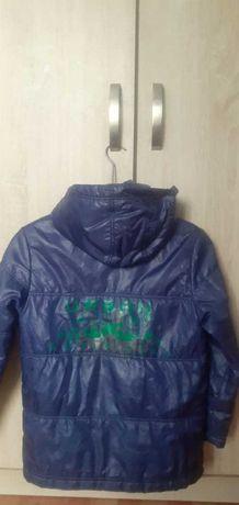 Продам куртку весеннию на мальчика