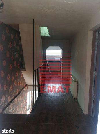 Casa 5 camere in comuna Brazi
