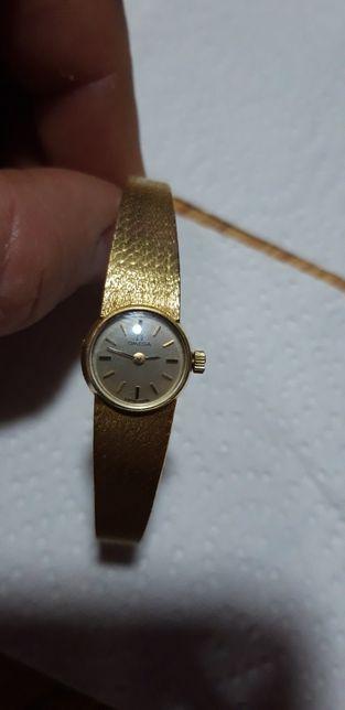 Ceas de dama omega din aur masiv 18k cu geam de cristal