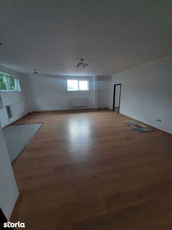 Hala 280 mp + apartament cu 4 camere la etaj /150 mp/ Zona Industriala