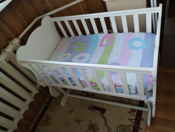 Продам, детскую кровать, комод, и ваночку