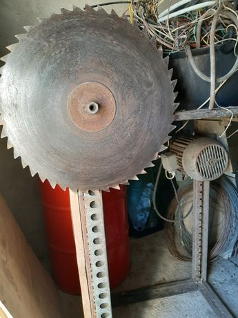 Vand circular pentru tăiat lemne , monofazic