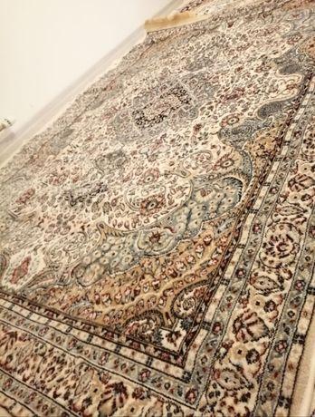 Продам ковёр новый 250 на 180