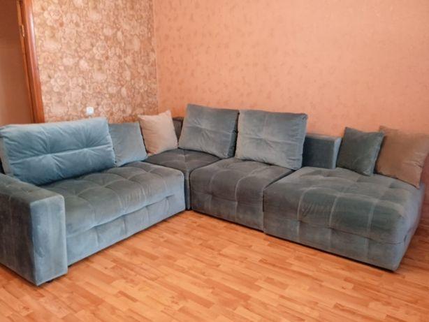 Мягкая мебель, угловой диван.