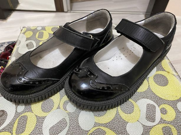 Школьная обувь на девочку