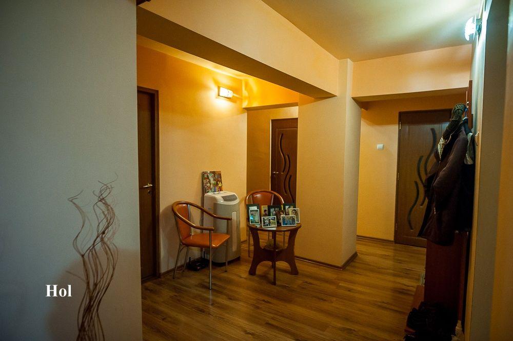 Vand/Schimb apartament 4 camere decomandat 132 metri Chisineu Cris Chisineu-Cris - imagine 1