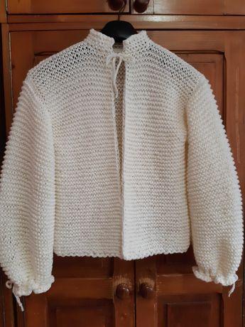 Cardigan tricotat manual