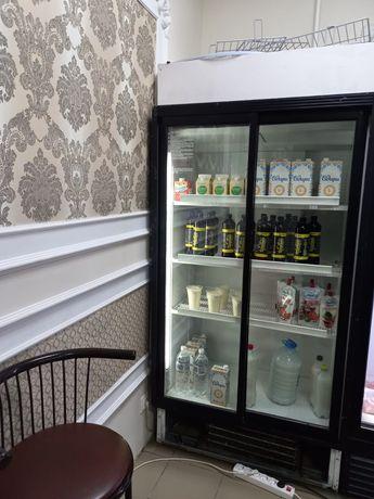 Продам вертикальный ветринный холодильник
