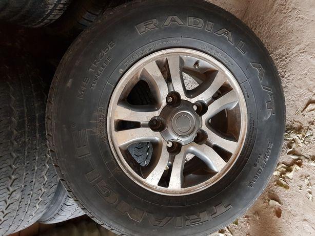 Продам комплект колес на Ленд Крузер