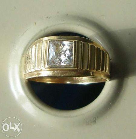 златен пръстен 4,9г/14к ; размер 19мм